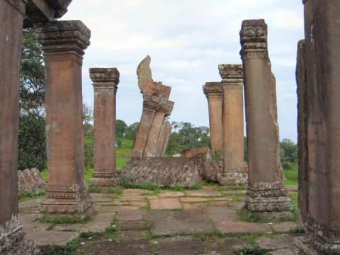 Gopura at Khao Phra Wiharn